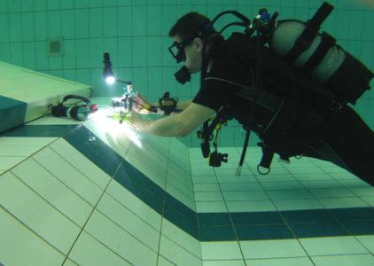 Zwembadtraining foto- en filmteam